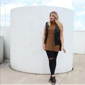 M Boutique Mock Neck Sleeveless Sweater - size S